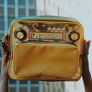 کیف رادیو طلایی